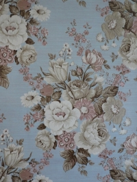 Vintage floral wallpaper with beige and pink flowers