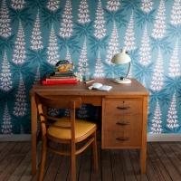 Miss Print wallpaper Foxglove green pink