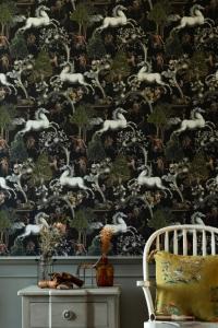 Premium wallpaper Imaginarium