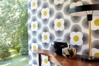 Orla Kiely wallpaper Petal yellow black