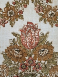 Red green classic vintage wallpaper with tulips
