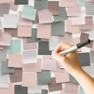 Erasable pink and grey post-it wallpaper